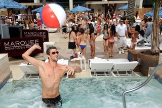 Michael-Phelps_Marquee-Dayclub-1