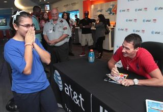 Os-var-danielle-morales-11-is-thrilled-after-meeting-olympic-swimmer-ryan-lochte-at-the-att-store-near-the-20120928